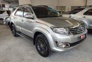 Bán giá thấp với chiếc Toyota Fortuner 2.7V đời 2013, màu bạc, giao nhanh giá 670 triệu tại Tp.HCM