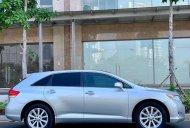 Bán Toyota Venza năm sản xuất 2010 chính chủ giá 715 triệu tại Tp.HCM