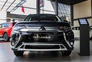 Bán ô tô Mitsubishi Outlander 2.0 CVT sản xuất 2018, màu xanh lam giá 825 triệu tại Nghệ An