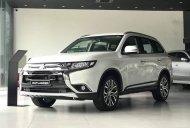 Cần bán xe Mitsubishi Outlander 2.4 CVT Premium đời 2019, màu trắng giá 905 triệu tại Nghệ An