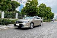 Toyota Camry 2.0E 2018 Cũ Màu Vàng Cát, một chủ từ đâu, cực chất giá 870 triệu tại Hà Nội