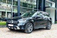 Bán Mercedes GLC200 đời 2021, màu đen, chính chủ giá 1 tỷ 799 tr tại Hà Nội