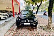 Cần bán Mercedes GLC250 đời 2017, màu đen giá 1 tỷ 465 tr tại Hà Nội