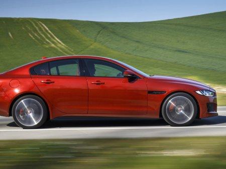 Giá xe Jaguar: Vượt trội, hoàn hảo từng chi tiết